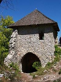 Muráň Castle gate 01.JPG