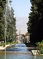 Natural Fountains in Shahzadeh Garden(No Pump) - panoramio - Alireza Shakernia (1).jpg