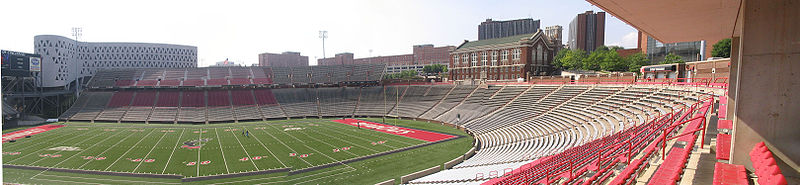 File:Nippert-stadium-panorama-2.jpg