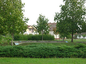 Novi Kozarci, park in the village centre 02.jpg