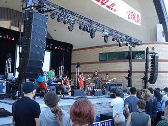 Ohbijou - Ohbijou performing in 2007 in London, Ontario.