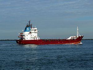Orateca IMO 8023527 p3 approaching Port of Rotterdam, Holland 21-Feb-2005.jpg