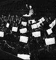 Orkest in de orkestbak van de Scala te Milaan, Bestanddeelnr 254-5329.jpg