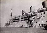 P&O liner RMS Strathnaver berthed at Lisbon, 1934.jpg