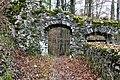 Pörtschach Burgruine Leonstein NW-Tor zum äußeren Hof 06012012 577.jpg