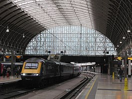 Paddington - GWR 43098 arriving from Swansea.JPG