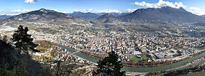 Italiano: Panorama della città di Trento