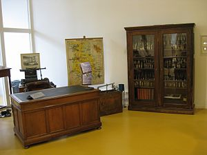 Paul Sabatier (chemist) - Sabatier's office desk and collection of chemicals at the University of Toulouse