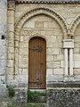 Paussac église arcatures porte.JPG