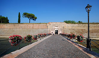 Peschiera del Garda - Image: Peschiera Porta Brescia