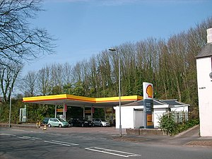 English: Petrol filling station on the A 590