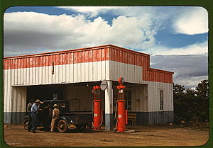 Road trip - Pie Town gas station and garage in 1940
