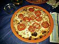Pizza con bottarga (Pizzeria Bellavista - Castellammare del Golfo).jpg