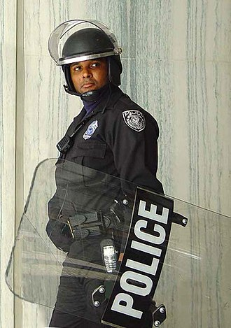 Riot police - A Federal Protective Service policeman in riot gear