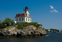 Pomham Rocks Lighthouse.jpg