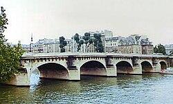 Pont Neuf, Paris (1985).jpg