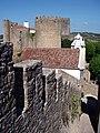 Pormenor do castelo de Óbidos - muralha e torre.jpg