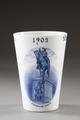 Porslinsvas från Rörstrand - Hallwylska museet - 93906.tif