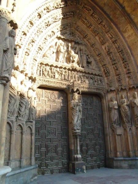 Portada de la Virgen Blanca, catedral de León