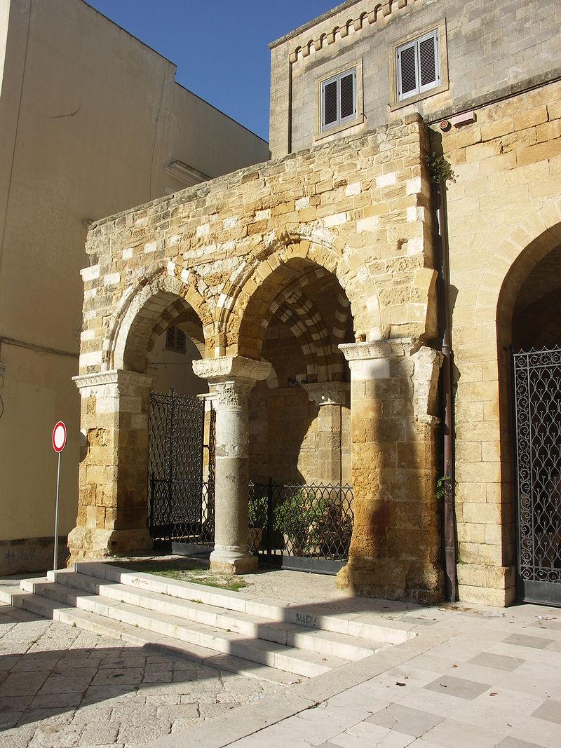 Portico dei templari.JPG