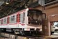 Praha metro renovovany vlak.jpg