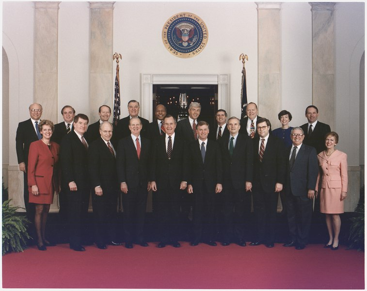 File:President Bush poses with his cabinet for the 1992 Official Cabinet portrait - NARA - 186447.tif