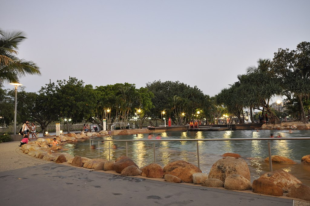 File Public Pools Streets Beach At The South Bank Parklands 6586692425 Jpg Wikimedia Commons