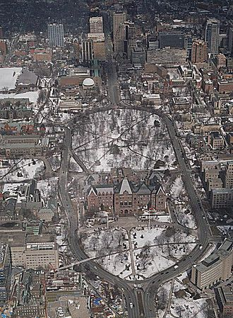 Queen's Park (Toronto) - Aerial view of the park and its surrounding transport features in the winter (March 2005)