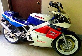 Suzuki RGV250 - Image: RGV VJ21
