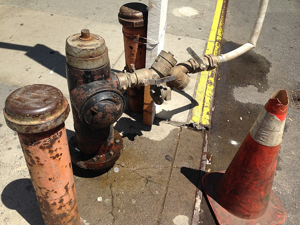 Reduced pressure zone device connected to a fire hydrant at a construction site