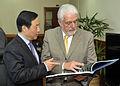 Reunião com o Ministro da Ciência e Tecnologia e Indústria de Defesa da China, Xu Dazhe. (17645794610).jpg