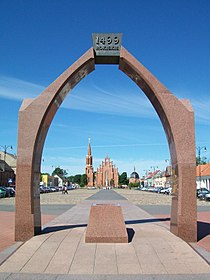 Rokiskis main square with church.JPG