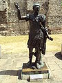 Roman emporer Trajan statue, Tower Hill - DSC06945.JPG