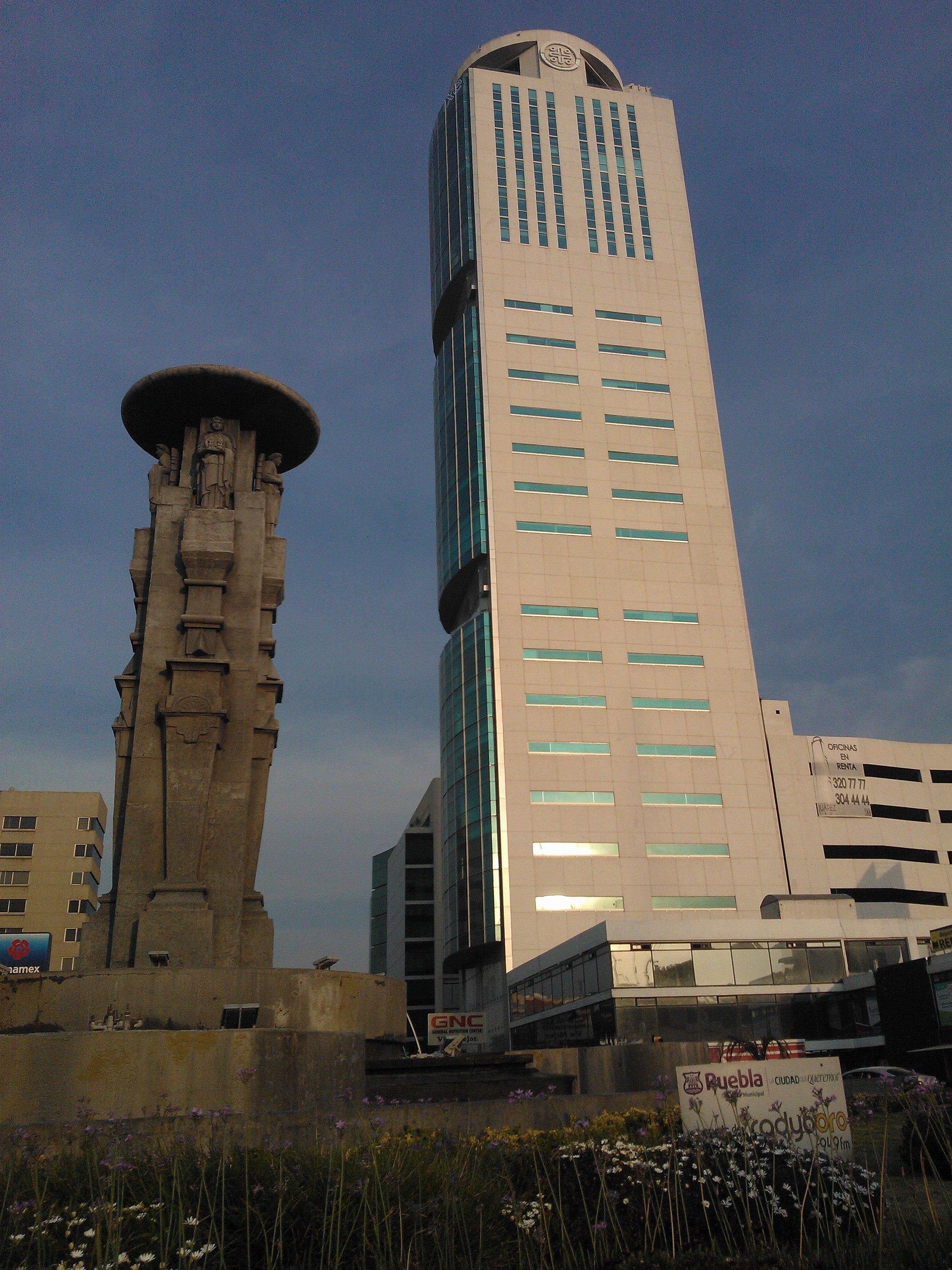 Avenida Juárez es de lo más bonito de la capital poblana.