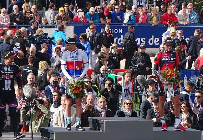 Roubaix - Paris-Roubaix, 12 avril 2015, arrivée (B18).JPG