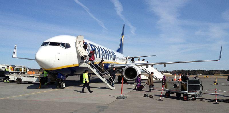 File:Rygge Ryanair 2012-10-04T21-41-06.jpg