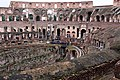 Rzym (Roma). Wnętrze Koloseum (Colosseum). - panoramio.jpg