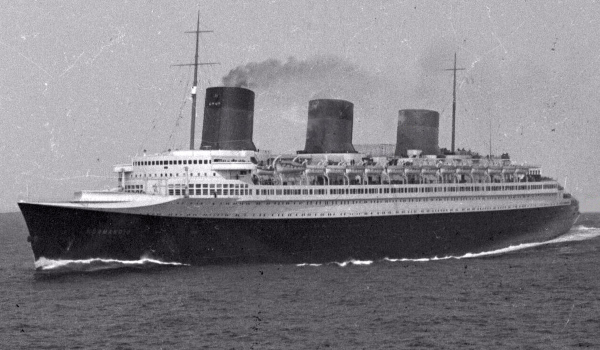 SS Normandie Wikipedia - 1930s cruise ships