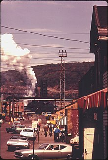 STREET IN CLAIRTON, PENNSYLVANIA, 20 MILES SOUTH OF PITTSBURGH. IN THE BACKGROUND IS A PORTION OF A COKE PLANT OWNED... - NARA - 557224.jpg