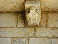 Saint-Amand-de-Coly église modillon (6).JPG