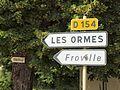 Saint-Aubin-Château-Neuf-FR-89-panneaux vers Les Ormes-a2.jpg
