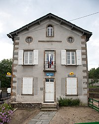 The town hall in Saint-Hostien