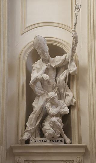 Statue av Emygdius som døper Polisia, domkirken i Foligno, av Cody Swanson