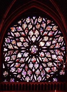 Przykład stylu Flamboyant z kościoła Sainte-Chapelle