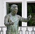 Salzburg Karajan-Statue 03.jpg