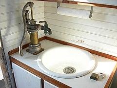 pompe a main pour eau