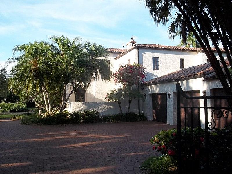 File:Sarasota FL Bacheller-Brewer Estate01.jpg