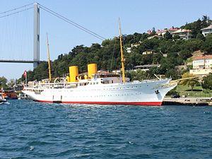 MV Savarona - Image: Savarona, yate de Ataturk
