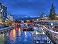 Schwedenbrücke Donaukanal Wien 2012 04.jpg