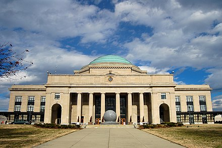 The Science Museum of Virginia, housed in Broad Street Station, designed by John Russell Pope Science Museum - Broad Street Station (2256100684).jpg